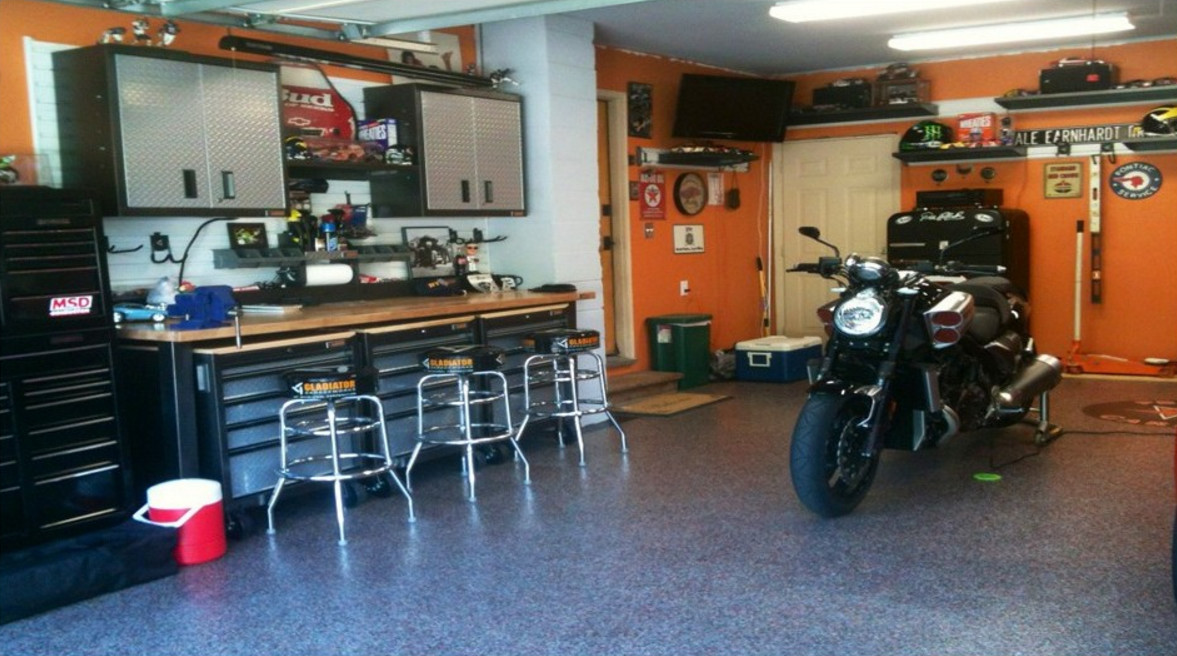 Turn Your Garage into the Perfect Mancave